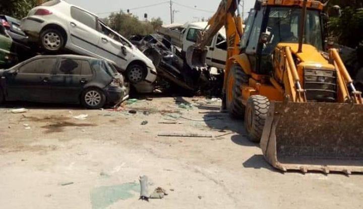الشرطة تتلف 100 مركبة غير قانونية غرب رام الله