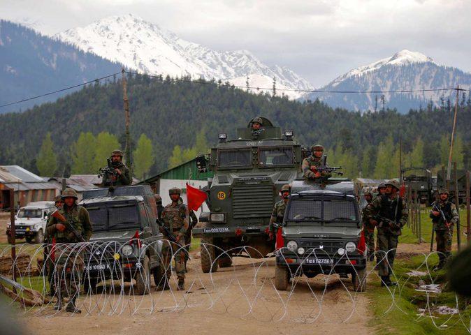 وزير الخارجية الباكستاني :نحذر من وقوع حرب واسعة بسبب كشمير