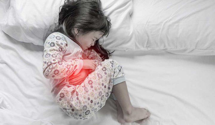 ما هي أسباب معاناة الأطفال من مشكلة عسر الهضم ؟