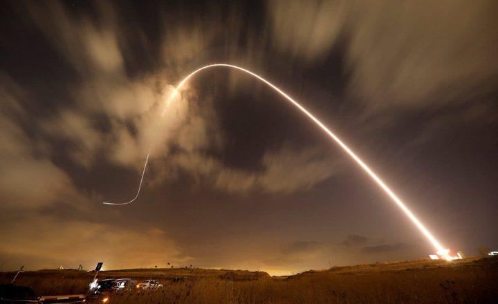 اذاعة عبرية: 23 قذيفة صاروخية أطلقت من قطاع غزة باتجاه المستوطنات