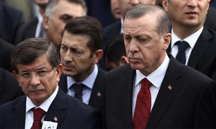 داوود أوغلو يتحدى أردوغان ويتخذ هذا القرار