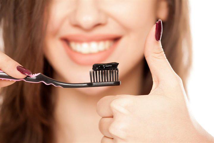 معجون الفحم يؤذي أسنانك