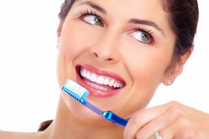 طريقة استخدام الملح في تبييض الأسنان