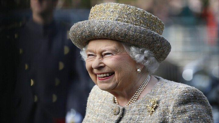 تعرفوا على وجبة ملكة بريطانيا المفضلة في الرحلات الجوية