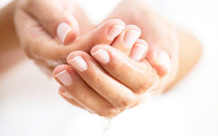 بعض الطرق السهلة للتغلب على تعرُّق اليدين