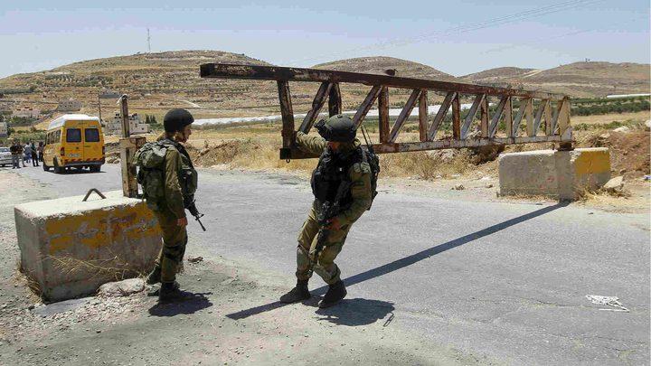 الاحتلال يُغلق الضفة ومعابر القطاع بدءا من منتصف الليلة