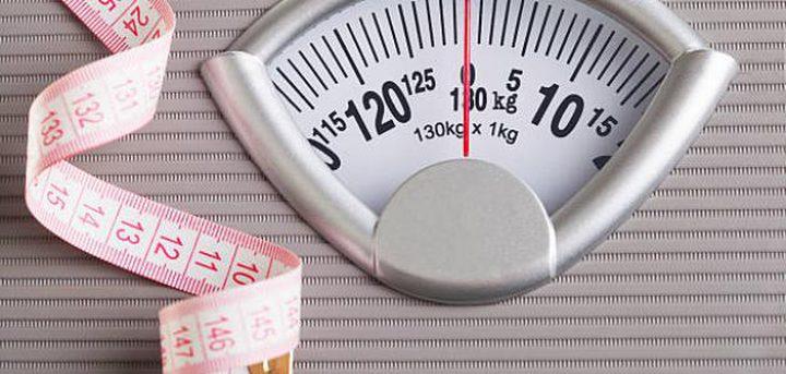 أبرز العادات اليومية التي تؤدي إلى ثبات الوزن