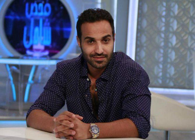 أحمد فهمي يسخر من إطلالته في يوم زفافه
