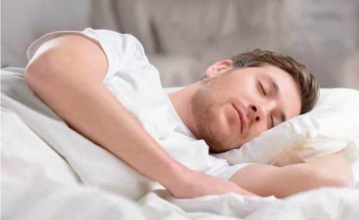لماذا نستيقظ أثناء النوم
