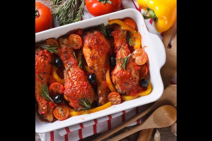 دجاج مشوي بالطماطم