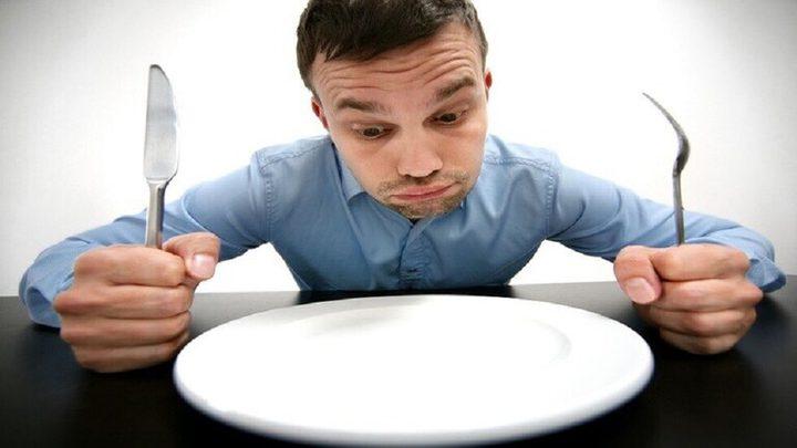 لا تتخذ أي قرار قبل تناول الطعام لهذه الأسباب