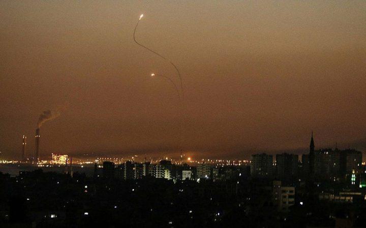الاحتلال يزعم : إطلاق صواريخ من غزة