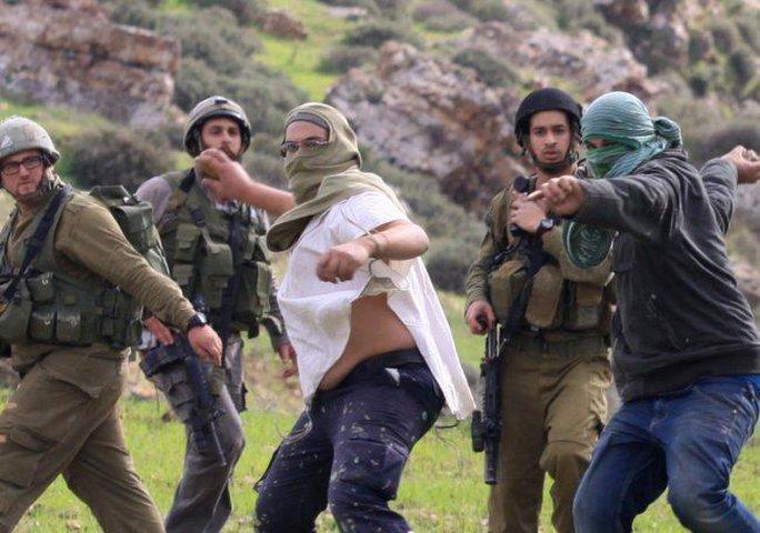 إصابة مواطن إثر اعتداء للمستوطنين شرق رام الله