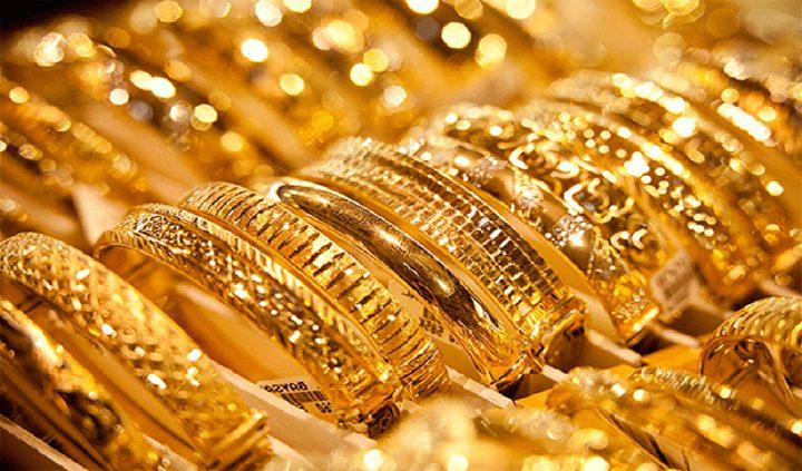الذهب يحقق أول مكسب أسبوعي في شهر