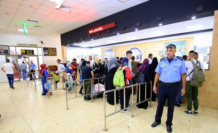 الاحتلال يمنع 4 مواطنين من السفر