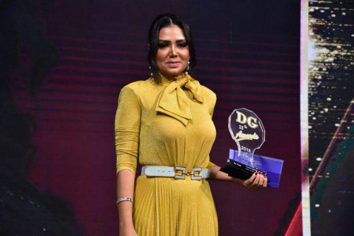 رانيا يوسف تعلق على أزمة فستانها الجديدة