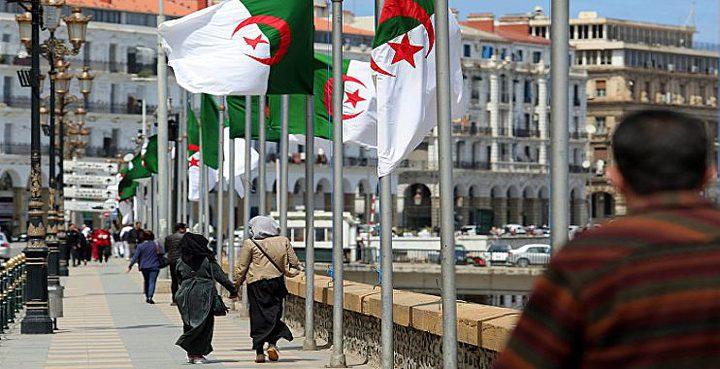 الجزائر تعلن ارتفاع عدد الراغبين بالترشح للرئاسة
