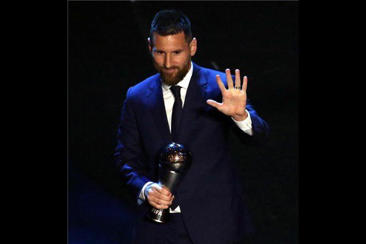 ميسي يتوج أفضل لاعب في العالم للمرة الخامسة في تاريخه