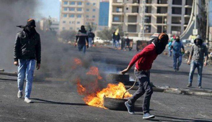 إصابات خلال مواجهات مع الاحتلال على المدخل الشمالي للبيرة