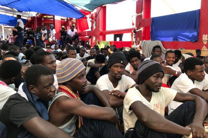 إيطاليا: استقبال 182 مهاجراً
