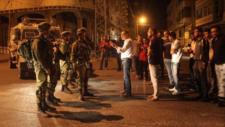 الاحتلال يقتحم قرية دير نظام ويعتدي على المواطنين