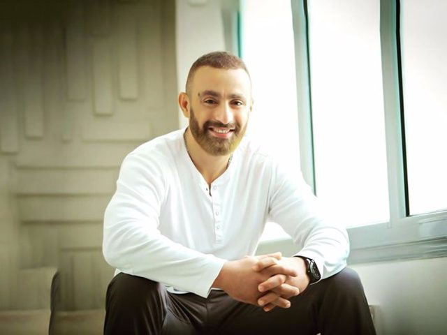 المخرج محمد سامي يورط أحمد السقا