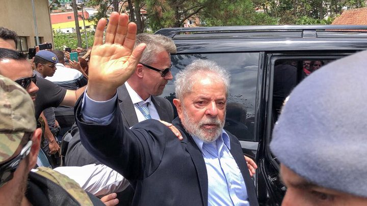 الرئيس البرازيلي السابق يطلب العودة للسجن بدلاً من الحبس المنزلي