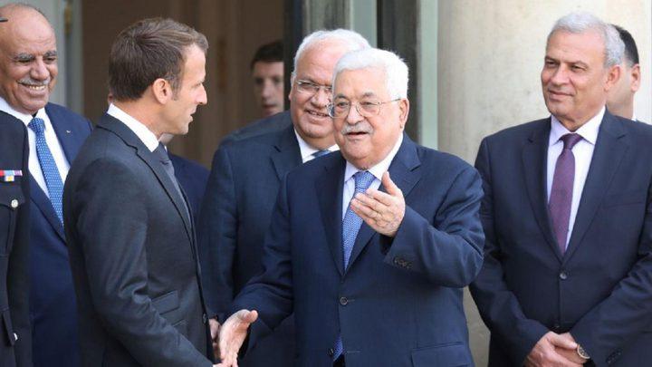 الرئيس يُطلع نظيره الفرنسي على آخر مستجدات القضية الفلسطينية