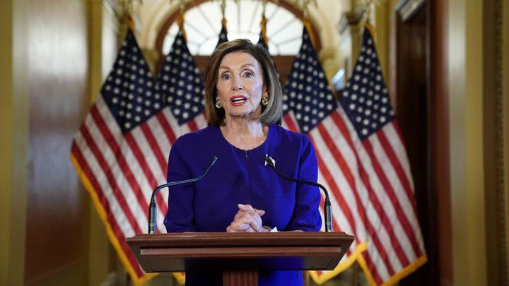 بيلوسي: مكالمة الرئيسين الأمريكي والأوكراني تؤكد ضرورة عزل ترامب