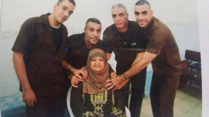 أم ناصر أبو حميد: لن نستسلم لتهديدات الاحتلال