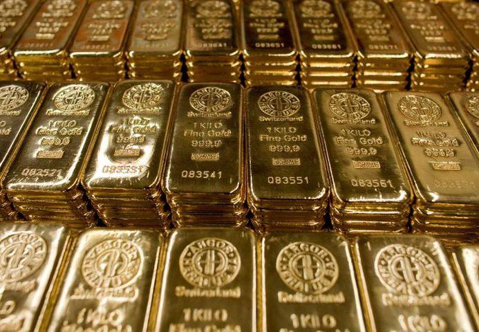 الذهب يستقر بعد نزوله 2%