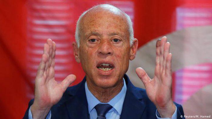 قيس سعيد يؤكد عدم ارتياحه لسجن منافسه بالانتخابات التونسية