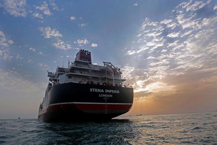 الناقلة البريطانية المحتجزة تغادر ميناءً إيرانيًا اليوم