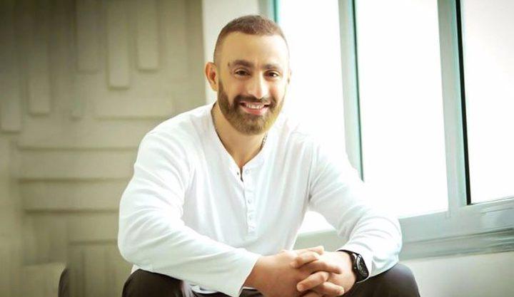 أحمد السقا ينفي شائعات طلاقه
