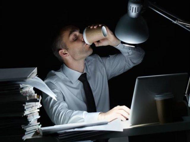 دراسة بريطانية تكشف مخاطر العمل ليلا