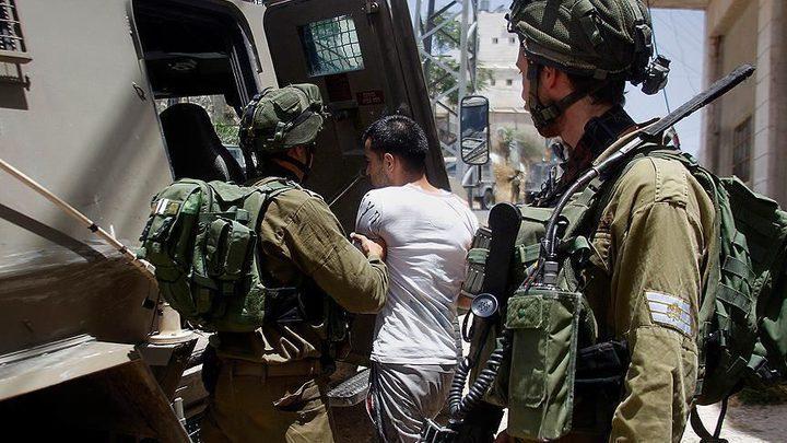 اعتقال 8 مواطنين في الخليل