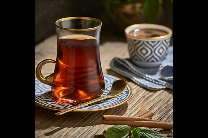 أيهمـا أفضـل كوب الشاي أم فنجان القهـوة لتنشيط الجسم ؟