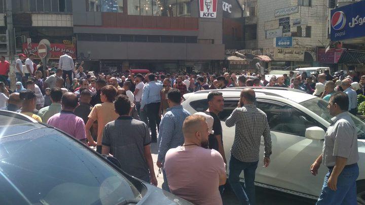 إصابة 10 أشخاص جراء حادث سير بنابلس