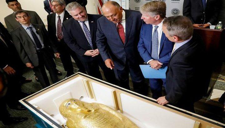 مصر تسترد تابوتا ذهبيا لكاهن فرعوني شهير من أمريكا
