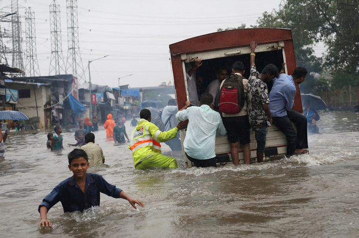 حتى الآن.. 140 قتيلاً حصيلة ضحايا الأمطار شرق الهند