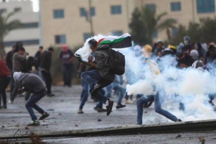 اصابات بالاختناق خلال مواجهات مع الاحتلال في البيرة