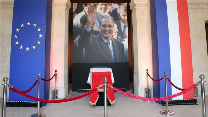 فرنسا تودع رئيسها الأسبق في جنازة رسمية