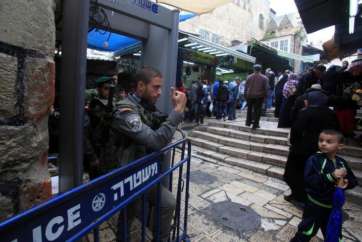 محكمة الاحتلال بالقدس تقرر اخلاء سبيل فتاة وشاب بشروط