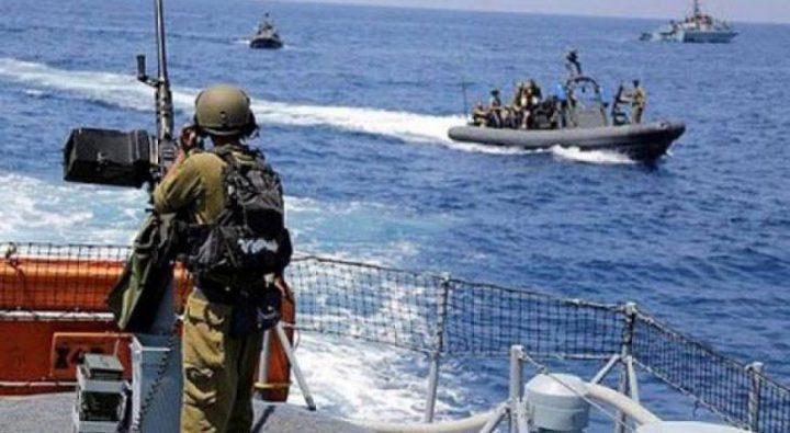 الاحتلال يواصل استهداف الصيادين