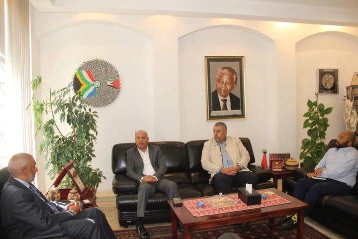 أبو هولي: جنوب إفريقيا تدعم وبقوة تجديد تفويض الأونروا