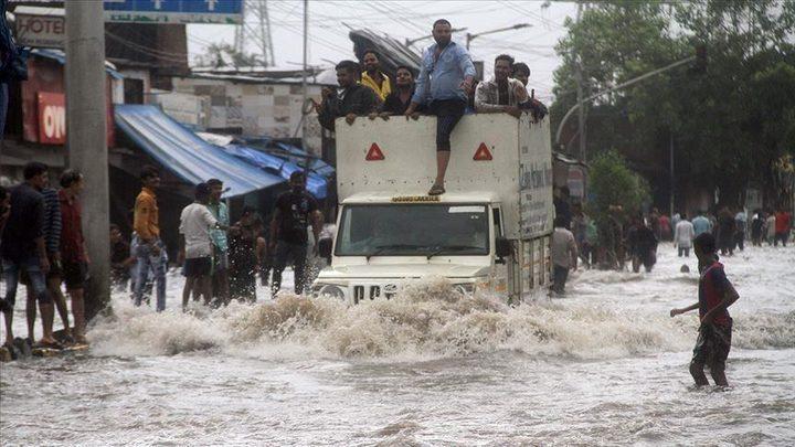 الفيضانات تقتل 73 هنديا