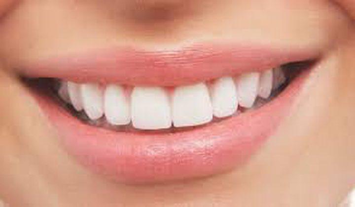 أهم 10 طرق طبيعية لإزالة جير الأسنان