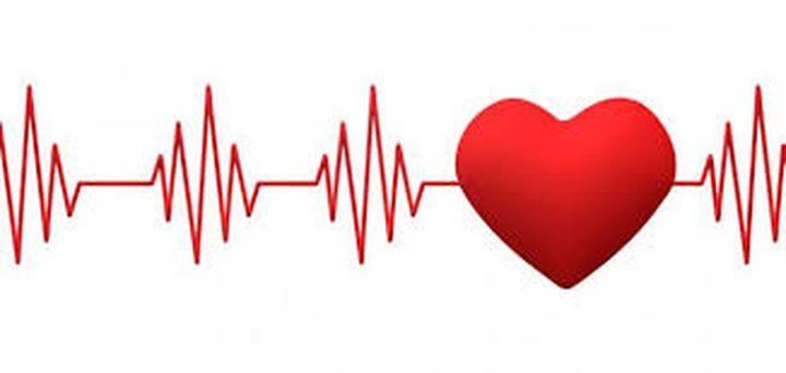 لماذا يزداد معدل ضربات القلب ليلاً؟