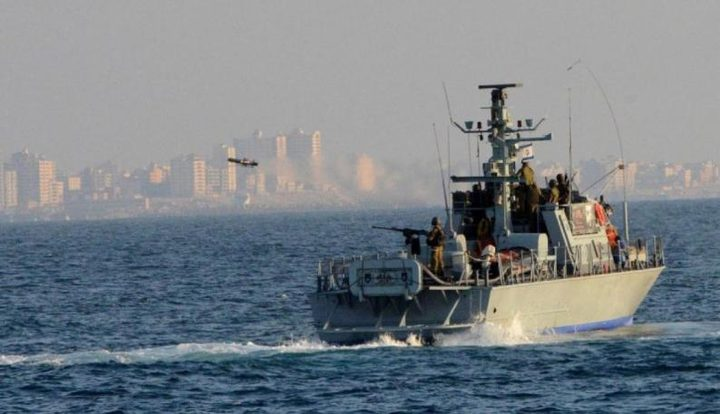 الاحتلال يطارد الصيادين في بحر غزة