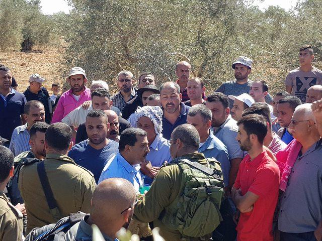 الاحتلال يعيد فتح طريق العيون شرق قلقيلية